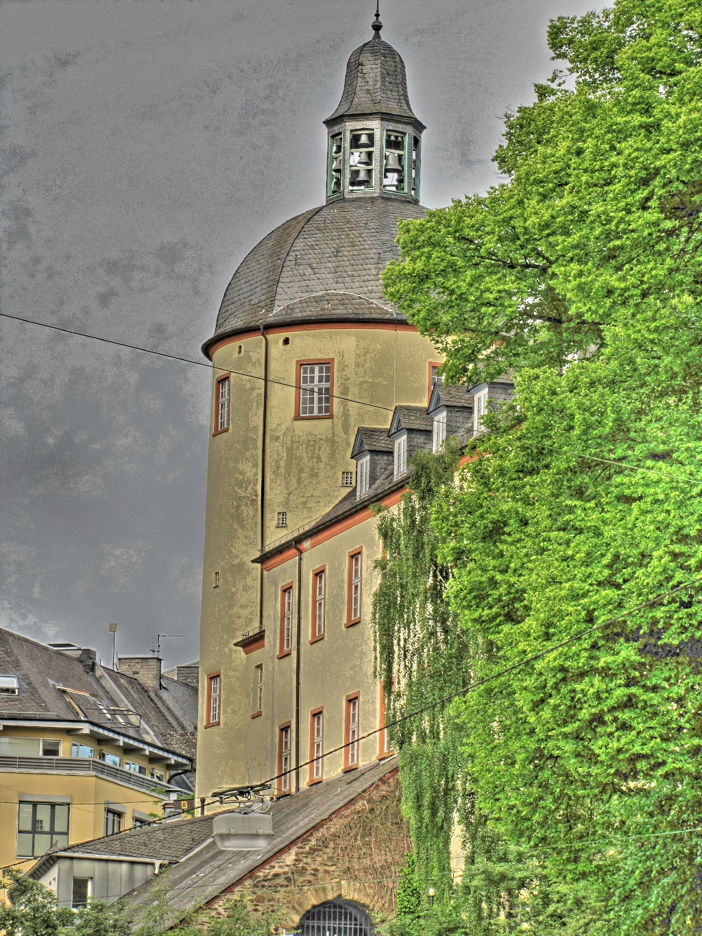 DickerTurm2_pregamma_1_fattal_alpha_0.1_beta_0.846_saturation_1.21_noiseredux_0.174