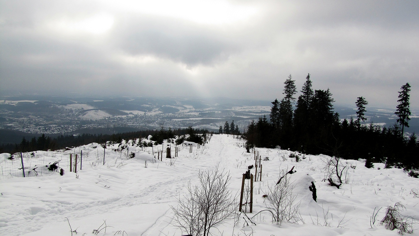 Ausblick vom Kindelsberg im Winter auf Kreuztal